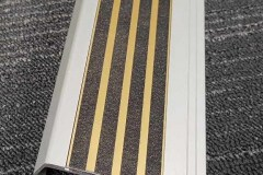 415-stair-nosing-with-wide-98-mm-tread-Sovereign-Gold-Tiger-Stripe-Epoxy